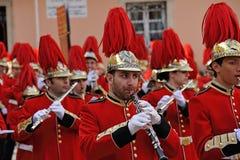 Procession av musiker på påsken i Korfu royaltyfri fotografi