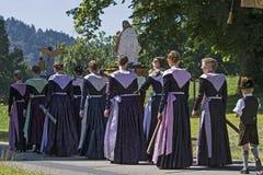 Procession i övreBayern arkivfoto