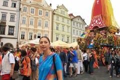 Processione di Krishna a Praga. immagini stock
