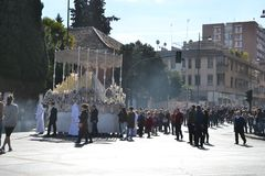 Processione durante la settimana santa a Granada, Andalusia, Spagna, settimana di passione prima di Pasqua fotografie stock