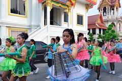Processione festiva tramite le vie di Bangkok, Tailandia Fotografia Stock