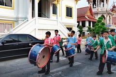 Processione festiva tramite le vie di Bangkok, Tailandia Fotografie Stock