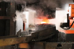 Processo de carimbo quente automático Fotografia de Stock Royalty Free