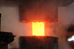 Processo de carimbo quente automático Imagens de Stock