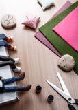 Processo de fazer bonecas fotografia de stock royalty free