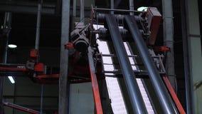 Processo de impressão do jornal na casa de impressão filme