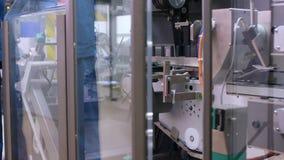 Processo de manufatura automatizado Máquina farmacêutica da fabricação video estoque