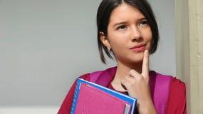 Processo decisionale dello studente della ragazza fotografia stock