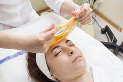 Processo del massaggio e dei facials Fotografia Stock Libera da Diritti