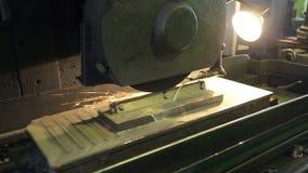 Processo del topsheet di taglio della billetta dallo strumento sul mulino archivi video
