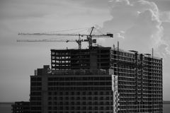Processo della costruzione di edifici dell'appartamento Immagine Stock