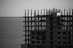 Processo della costruzione di edifici dell'appartamento Fotografia Stock
