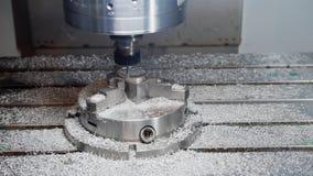 Processo di funzionamento del metallo e di fabbricazione della macchina - perforazione automobilistica immagine stock