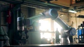 Processo di moto di un robot di collaborazione allegato alla tavola video d archivio