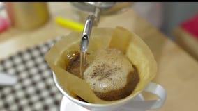 Processo do café do gotejamento filme