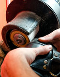 Processus de réparation de chaussures Images libres de droits