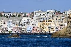 Procida, île en mer Méditerranée Images stock