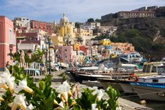 Procida-Insel auf neapolitanischer Bucht in Italien Lizenzfreies Stockfoto