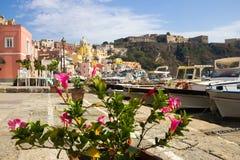 Procida-Insel auf neapolitanischer Bucht in Italien Lizenzfreie Stockfotografie