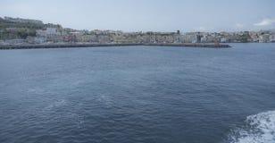 Procida Litoral Vista do barco Fotografia de Stock