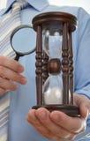 Procurando o tempo Fotos de Stock Royalty Free