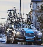 Τεχνικό αυτοκίνητο της ομάδας Procycling ουρανού Στοκ Φωτογραφίες