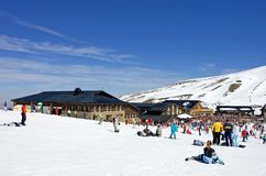 prodollano手段滑雪倾斜西班牙 免版税库存图片