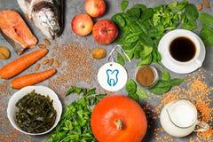 Prodotti alimentari utili per i denti Fotografie Stock
