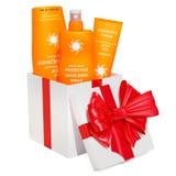 Prodotti della protezione solare dentro il contenitore di regalo, concetto del regalo rappresentazione 3d illustrazione di stock