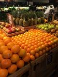 Prodotti e frutta della drogheria Immagini Stock