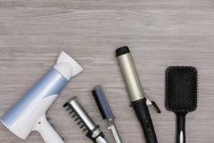 Prodotti elettrici allo styl i vostri capelli immagine stock libera da diritti