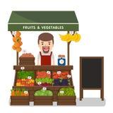 Prodotti locali delle verdure di vendite di esercenti del mercato Fotografia Stock Libera da Diritti