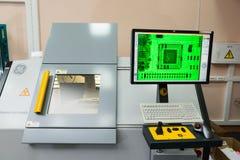 Produção de componentes eletrônicos na alto-tecnologia fotografia de stock royalty free