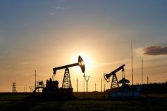 Produção de petróleo e gás imagens de stock royalty free
