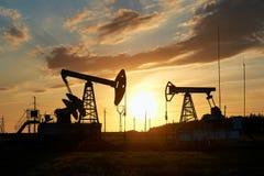 Produção de petróleo e gás imagem de stock