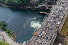 Produção de potência Hydroelectric de represa de Bhumibol imagens de stock royalty free