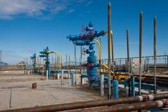 Produção do gás natural de encaixes de gás da fonte Imagem de Stock
