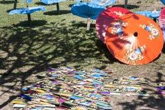 Produção dos guarda-chuvas de papel/guarda-chuvas do papel Imagens de Stock Royalty Free
