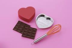 Produca il cioccolato dei biglietti di S. Valentino fotografie stock