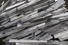 Producción de aluminio del lingote en la fábrica fotografía de archivo