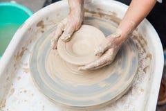 Producción de cerámica Foto de archivo libre de regalías