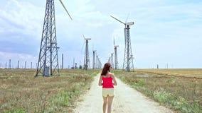 Producción de energía del parque eólico industrial almacen de video