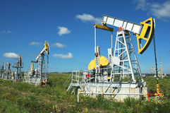 Producción de Russia.Oil en el campo petrolífero Imagenes de archivo