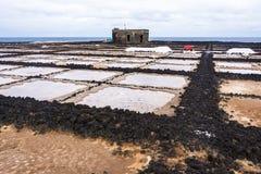 Producción de sal tradicional en Lanzarote Imagen de archivo libre de regalías