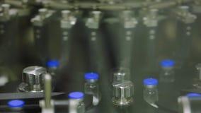 Producción médica de las píldoras de los ingenios de las botellas, fábrica gigante almacen de metraje de vídeo