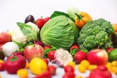 Producción vegetal orgánica cruda fresca Foto de archivo