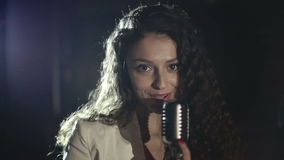 Producción video que el clip de la música para la música joven protagoniza Cámara lenta almacen de metraje de vídeo