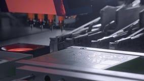 Producci?n electr?nica de la placa de circuito La máquina automatizada de la placa de circuito produce al tablero electrónico dig metrajes