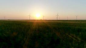 Producera för vindturbiner av elektricitet lager videofilmer