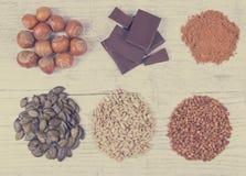 Producten die magnesium bevatten Gezond voedsel Stock Afbeelding